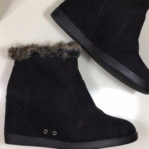 Black Hidden Wedge Furry Ankle Zip Winter Boots